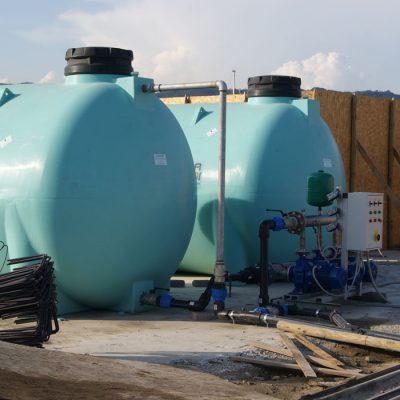 Polyetylénová nádrž na vodu 2000 litrov