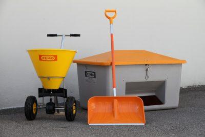 Posypové vozíky, nádoby na posyp