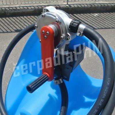 Mobilná nádrž na AdBlue 110 litrov – ručné rotačné čerpadlo